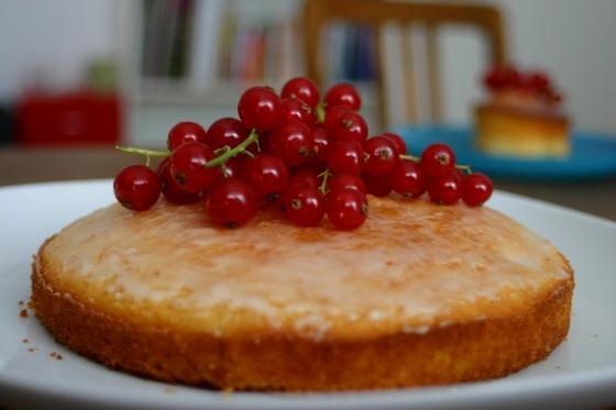 Zitronenkuchen (mit Johannisbeeren)