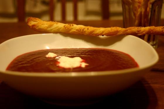 Rote-Bete-Suppe mit Meerrettich
