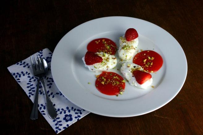 Schnee-Eier mit Pistazien