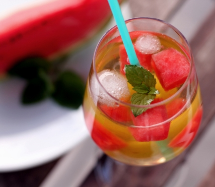Sommercocktail Melone Traube alkoholfrei