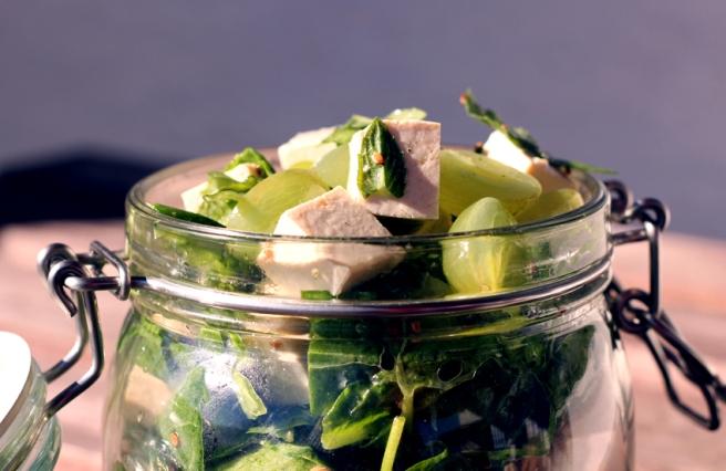 Spinat Tofu Salat Weintrauben vegan
