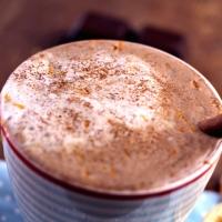 Heiße Mandelmilch-Schokolade