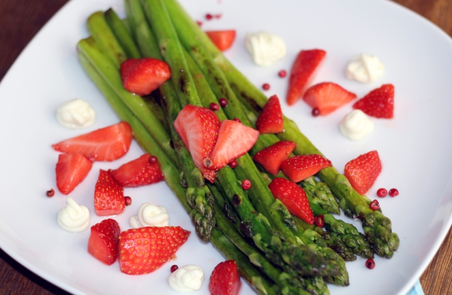 vegane Mayonnaise selbst gemacht Spargel Erdbeere