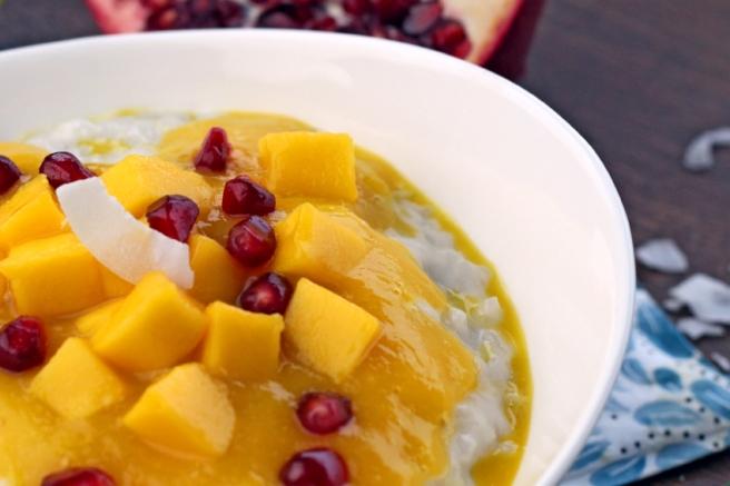 Veganer Kokos-Milchreis mit Mango
